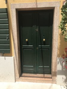 Portoncini d'ingresso a Verona